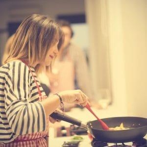 Cocinando en el taller de Travel & Cuisine